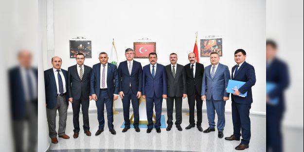 Kazakistan Büyükelçisi'nden Gürkan'a ziyaret