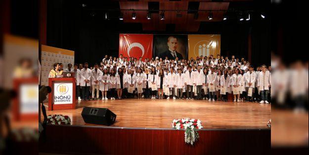 Tıp Fakültesinde 'Beyaz Önlük Töreni