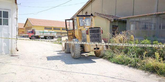 Yerinden fırlayan jant çemberinin başına çarptığı işçi öldü