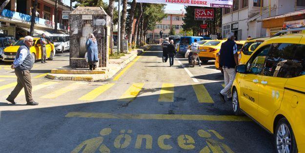 Arapgir#039;de asfaltlama çalışmaları sürüyor