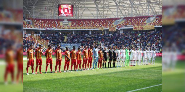 B.Yeni Malatya Kayseri'ye Fark Attı:4-0