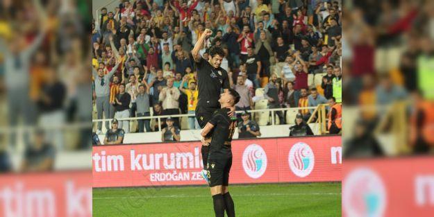 Jahovic ve Guilherme haftanın en iyi 11'inde