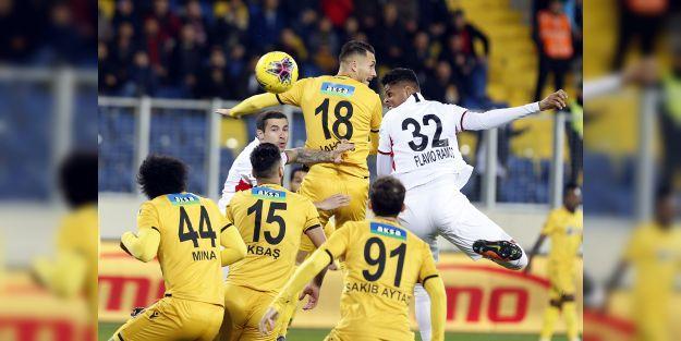 Ankara'daki Gol Düellosunda Galip Yok:3-3