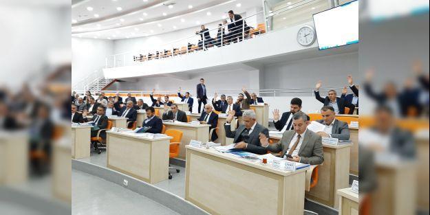 CHPli Başkanın Selahattin Gürkanı övmesi AK Partili Başkanı kızdırdı