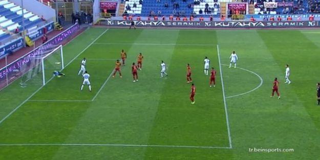 """'Kasımpaşa'nın İlk Golü Net Ofsayt, Kırmızı Kartlar Yanlış"""""""