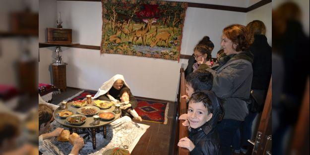 Özel gereksinimli çocuklar müzeyi gezdi