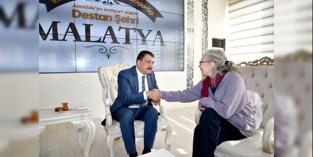 Ünlü oyuncudan Başkan Gürkan'a ziyaret