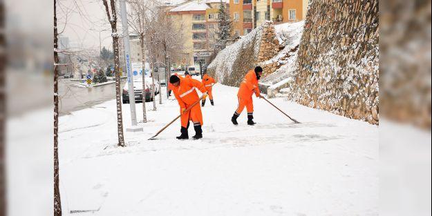 Battalgazi Belediyesi'nden kar temizleme çalışmaları