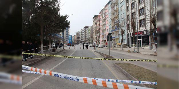 Malatya'da iki apartman boşaltılarak, mühürlendi