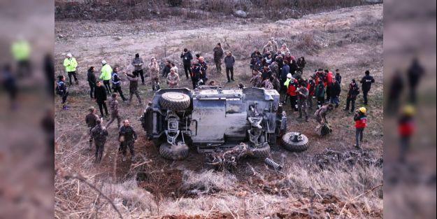 Polisleri taşıyan zırhlı araç kaza yaptı, 5 yaralı