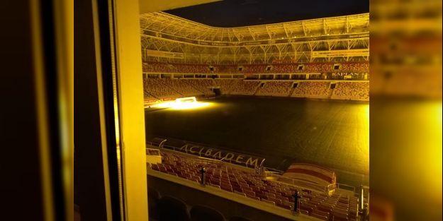 Yeni Malatya Stadı'nın çimleri bakıma alındı