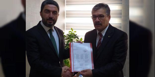 CHP İl Başkanı Kiraz mazbatasını aldı