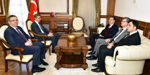 Kamu Başdenetçisi Şeref Malkoç Malatya'ya geldi