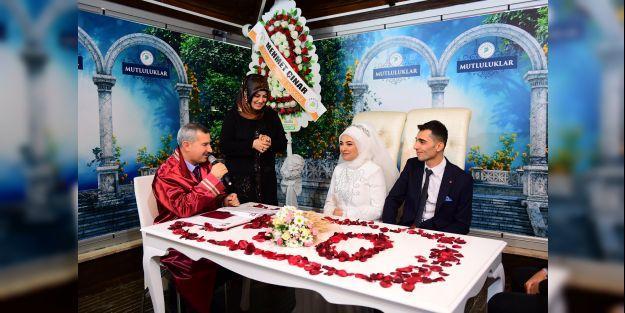 Nikah dairelerinde 14 Şubat yoğunluğu