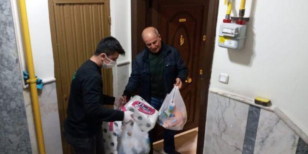 Belediye ihtiyaçlarını evlerine götürüyor