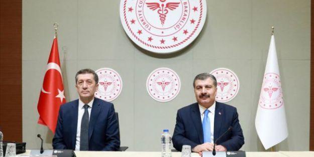 Okulların Tatili 30 Nisan'a Uzatıldı