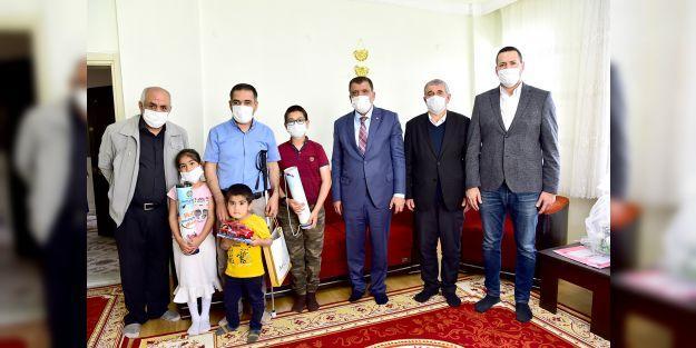 "Gürkan: 'Esas olan sevgi engellinin olmamasıdır"""