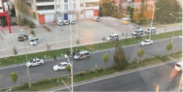 Polis Sınav Kağıtlarını Yoldan Topladı!
