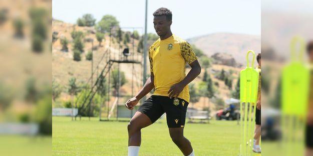 Yeni Malatyaspor'un genç oyuncusu geleceğin yıldızı olmaya aday