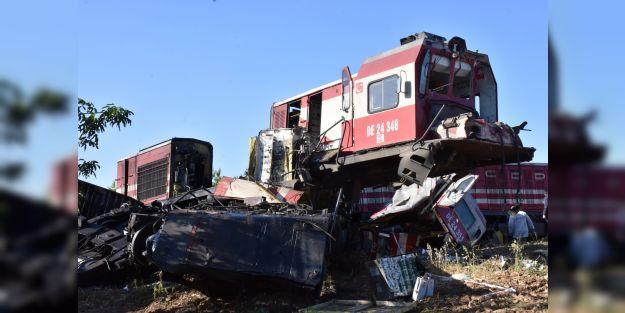 Yük trenleri çarpıştı 2 ölü, 3 yaralı