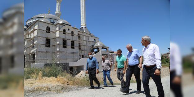 Alacakapı Merkez Camii inşaatı devam ediyor