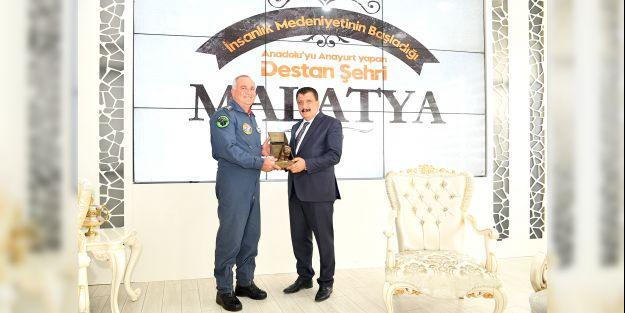 Albay Kanbur'dan Başkan Gürkan'a veda ziyareti