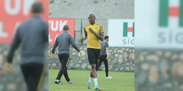 Hadebe için Beşiktaş ve Trabzonspor devrede