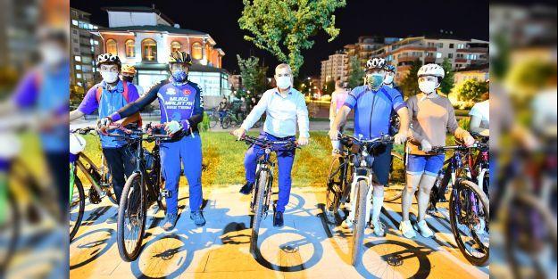"""'Sağlıklı bir hayat için bisiklet sürelim"""""""