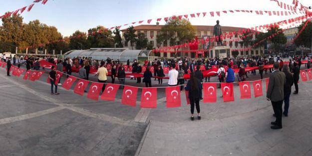 Cumhuriyet Bayramı Fener Alayı