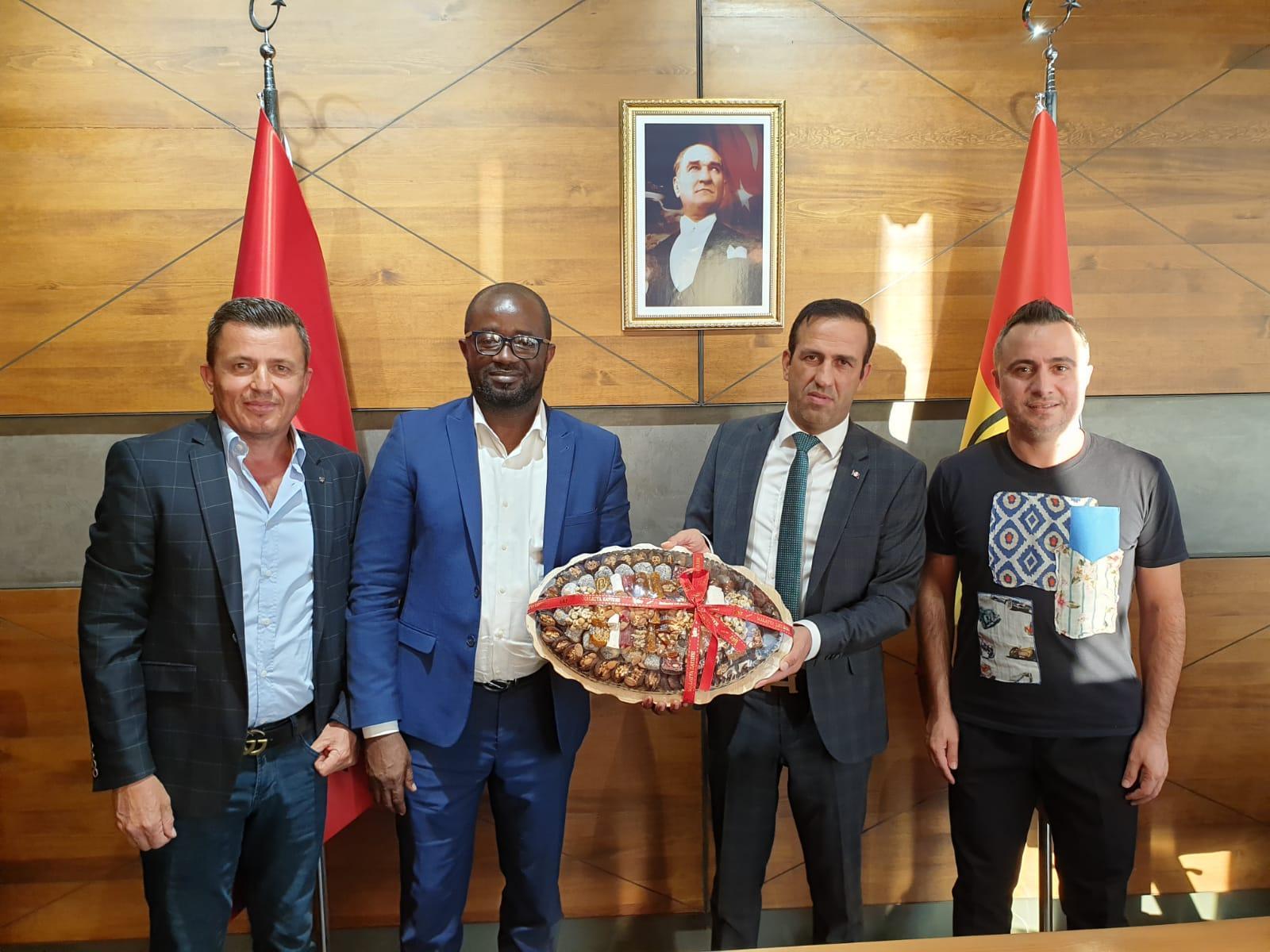 Gana Futbol Federasyonu Başkanı'ndan Gevrek'e ziyaret