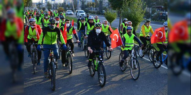 Anma etkinlikleri kapsamında bisiklet turu düzenlendi