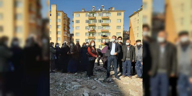 Kiraz: '10 aydır evlerinin yapılmasını bekliyorlar'