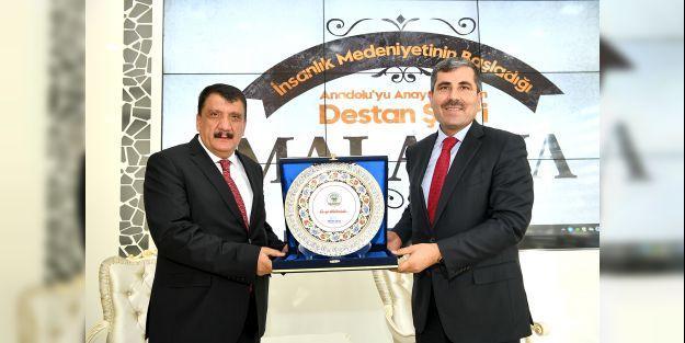 Başkan Gürkan, Muş Belediye Başkanı Asya'yı Malatya'da ağırladı