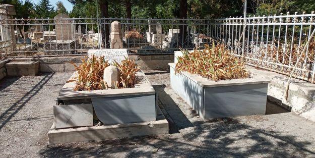 İnönü ailesinin mezarları bakımsız, sahipsiz!