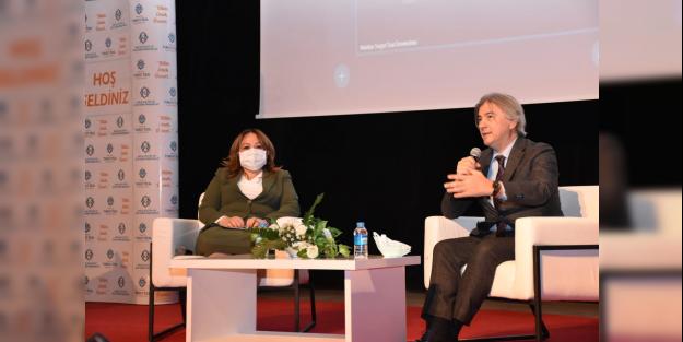 'Kültür ve Sanat ile Yereli Evrensele Taşımak ' konulu konferans düzenlendi