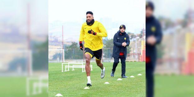 MS'de 2 Oyuncu Fenerbahçe Maçında Yok