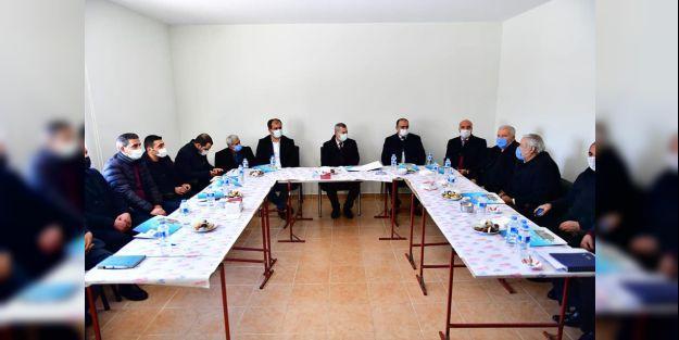 Başkan Çınar, muhtarlarla bir araya geldi