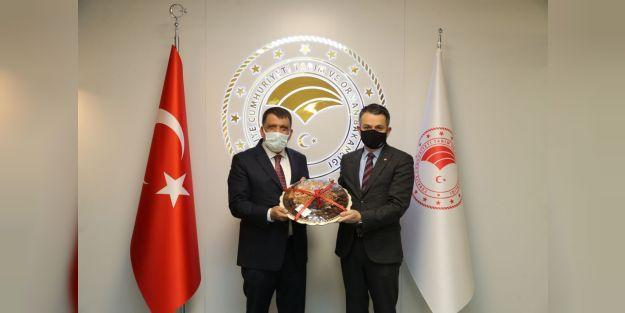 Gürkan'dan Bakan Pakdemirli'ye ziyaret