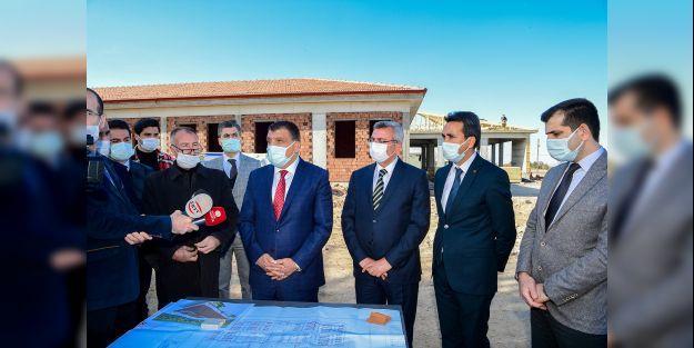 Gürkan, Altay Kışlası'ndaki çalışmaları inceledi