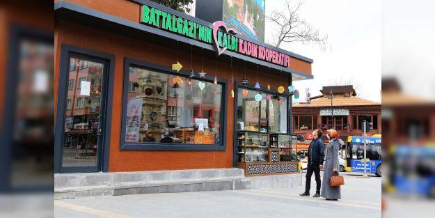 Battalgazi'nin Kalbi Kadın Kooperatifi Kafe Market büyük ilgi görüyor