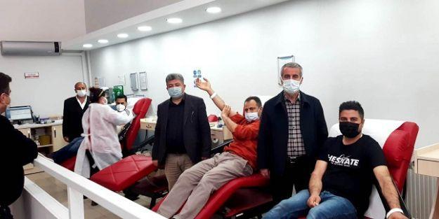 Gülümuşağı Derneği Kan Bağışında bulundu
