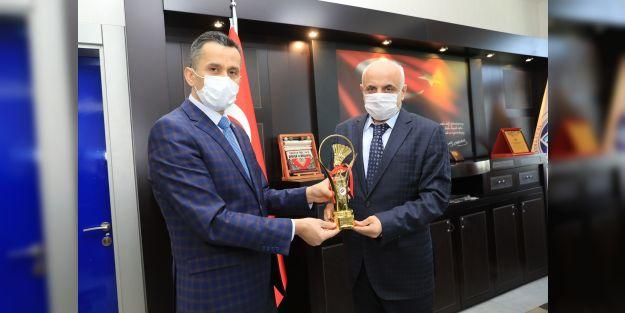 Türkiye Badminton Federasyonu Başkanı Murat Özmekik Malatya'da