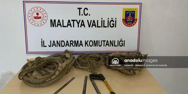 Doğanşehir'de kablo hırsızları suçüstü yakalandı