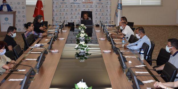 E Panel'e 7 ülkeden 10 bilim insanı katıldı
