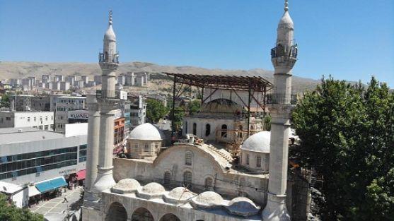 Tarihi Yeni Cami Ne Zaman İbadete Açılacak?
