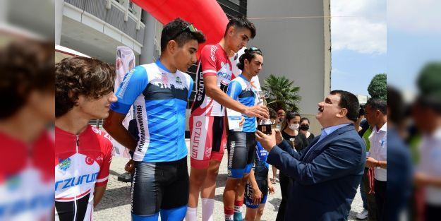 Kayısı Festivali 1.Ulusal Arslantepe Bisiklet Yarışı yapıldı