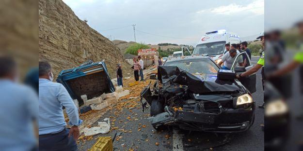 Malatya'da otomobil ile çapa motoru çarpıştı: 2 yaralı