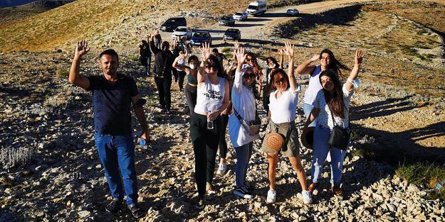 Nemrut Dağına Yerli Turist Akını