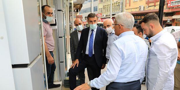 """'ESNAFLARIMIZIN BİR DEDİKLERİNİ İKİ ETMEYİZ"""""""