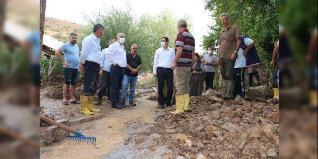 Hekimhan'da sel zarara yol açtı